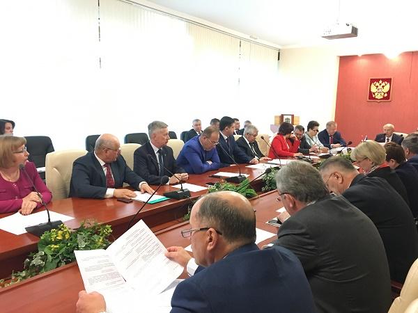 ЗАКОНОДАВЧІ збори калузької області